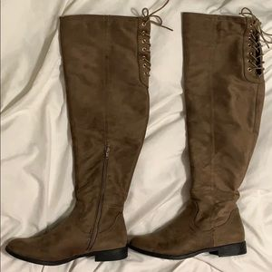 knee high boots, size 8